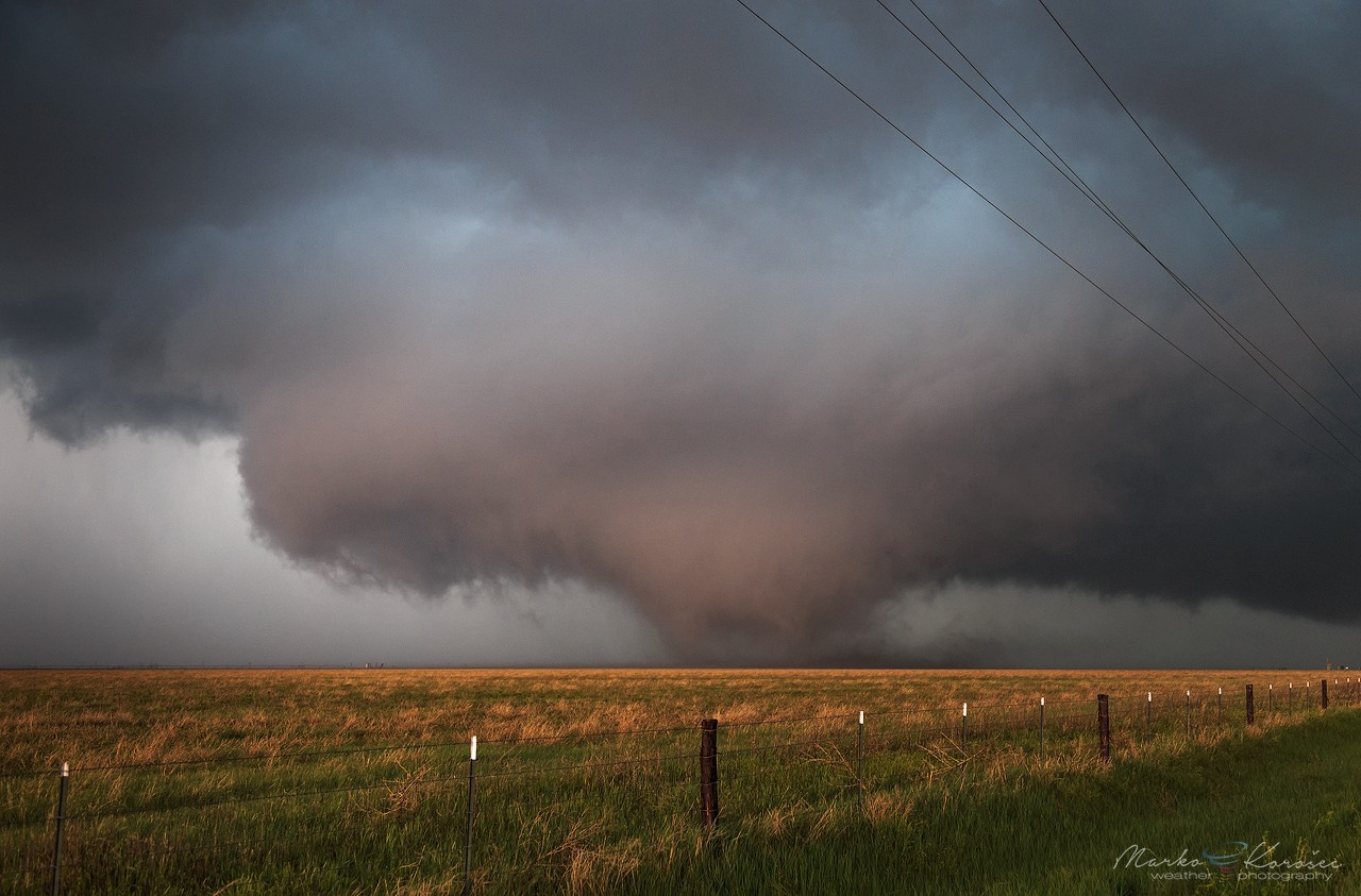 storm chasing Stormchasingvideocom (formerly known as breaking news video network, inc) is the largest professional severe storms electronic news gathering organization.